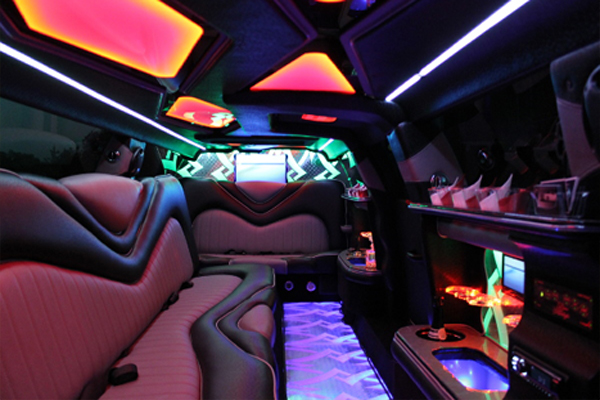 8 Person Chrysler 300 Limo Rental Springdale