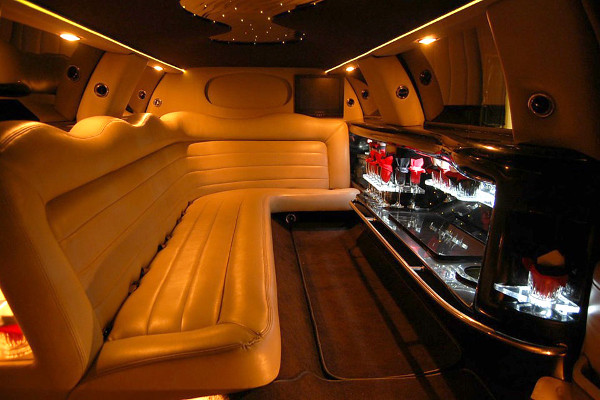 8 Person Lincoln Limo Service Springdale